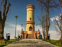 Wieża widokowa w Cedyni po rewitalizacji. Uroczyste otwarcie odbyło się 28 kwietnia 2021 r. Fot. UM w Cedyni.