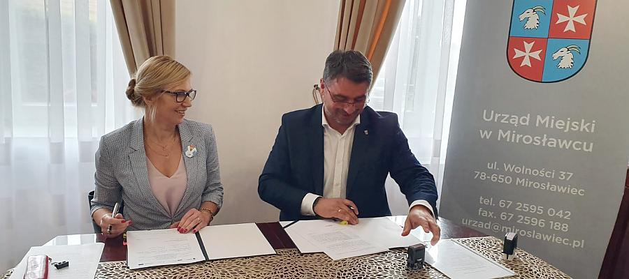 Podpisanie umowy o dofinansowanie rewitalizacji centrum Mirosławca.